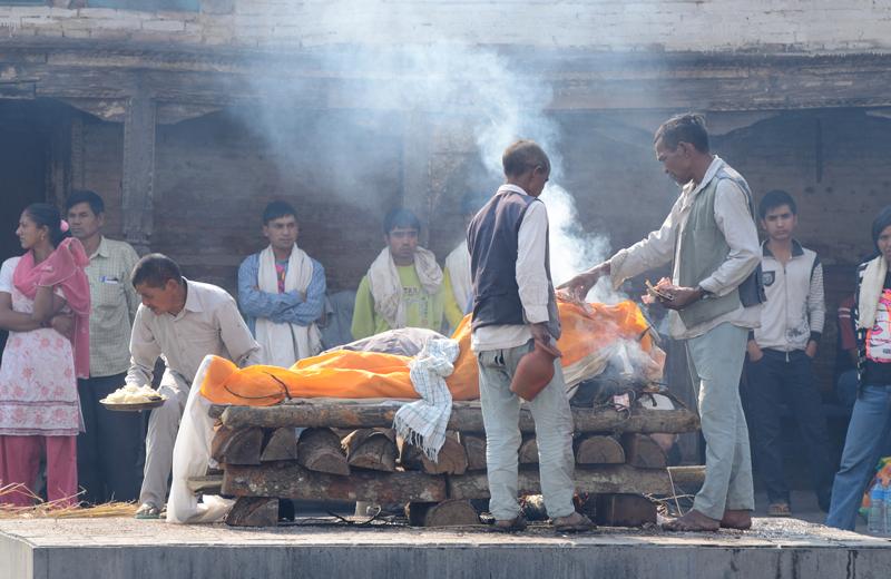 ceremonia-cremacion